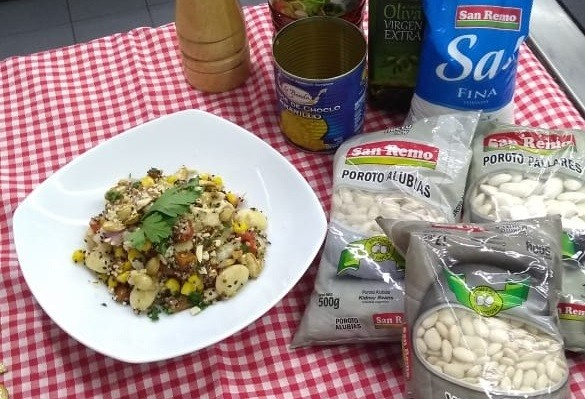 Receta de ensalada de quinoa y tres porotos.
